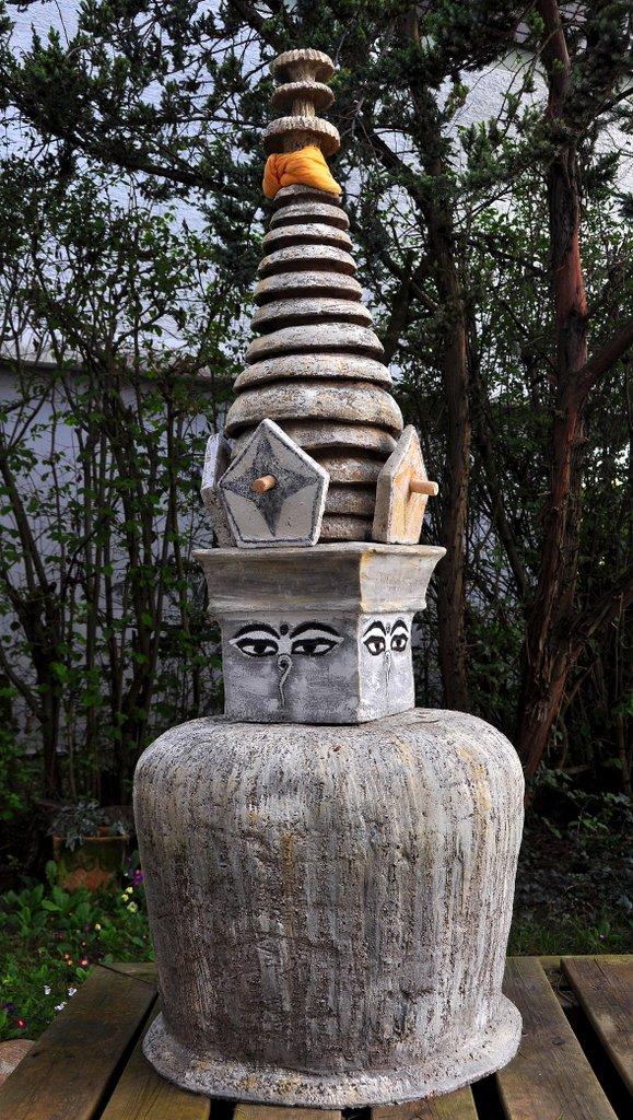 Stupa - grob schamottierter Ton 160 cm