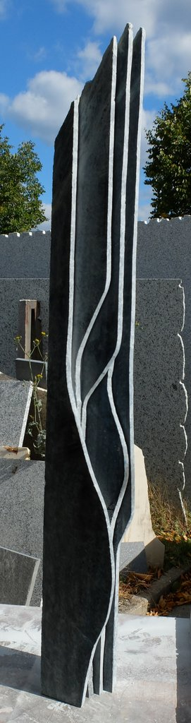 Stele Gezeiten - tauerngrüner Serpentin -  98 x 11 x 10 cm